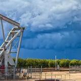 Giá dầu chạm đáy gần 2 tuần