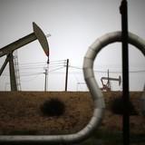Giá dầu rớt đáy 5 tuần sau 6 phiên mất đà