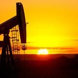 """Giá dầu """"leo dốc"""" tuần thứ tư liên tiếp"""