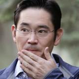 """Samsung tiếp tục dọn """"ngai vàng"""" cho người thừa kế"""