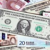 Đồng USD giảm giá chờ phát biểu của Chủ tịch Fed