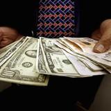 Đồng USD chốt quý giảm giá so với euro và yen