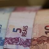 """Đồng USD bị """"đè bẹp"""" vì giá dầu tăng"""