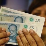 Bảng Anh sụt đáy 31 năm so với đồng USD