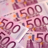 Đồng USD lên đỉnh 8 tháng so với đồng euro