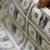 Đồng USD leo dốc sau báo cáo kinh tế khởi sắc