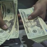 Đồng USD suy sụp sau báo cáo kinh tế Mỹ kém sắc