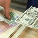 Đồng USD tăng giá trước số liệu kinh tế toàn cầu bất ổn