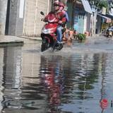 Những con đường không mưa vẫn ngập giữa Sài Gòn