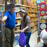 Thâu tóm và cạnh tranh: Xu hướng của ngành bán lẻ nửa đầu năm 2016