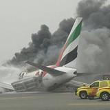 [Video] Máy bay chở 275 người phát nổ bốc khói ngùn ngụt tại sân bay Dubai