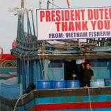 Việt Nam hoan nghênh Tổng thống Philippines thả 17 ngư dân Việt