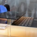 """Laptop lai máy tính bảng siêu mỏng của Asus bắt đầu được """"lên kệ"""""""
