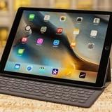 [Ảnh] Khách hàng sử dụng iPad Pro như laptop trong ngày bán đầu tiên