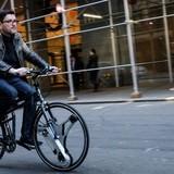Biến xe đạp thường thành xe đạp điện bằng cách thay bánh xe
