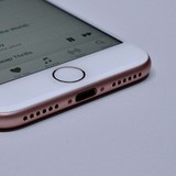 iPhone mới bất tiện cho người dùng nhưng là cơ hội cho hãng phụ kiện
