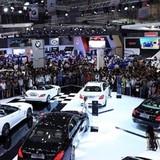 Công nghệ 24h: Người dùng chờ 2018 để mua xe rẻ hơn?