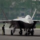 Trung Quốc đưa vào sử dụng máy bay chiến đấu tàng hình J-20