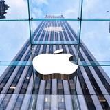 Apple sẽ sản xuất điện thoại gập như Samsung?