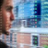 Chứng khoán 24h: Vốn ngoại lái sang cổ phiếu yếu, tiền ở đâu đang đổ vào thị trường?