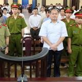 Phiên tòa chiều 23/8: Phạm Công Danh không đồng ý giải tỏa kê biên tài sản thế chấp ở Sacombank