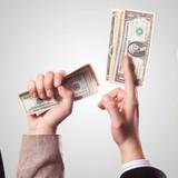 <span class='bizdaily'>BizDAILY</span> : Đề xuất tăng lương 16%: Không có lợi cho cả người lao động và doanh nghiệp?