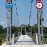 """Vụ xây cầu treo phục vụ 2 hộ dân: """"Xây là cần thiết, phù hợp với đề án!"""""""