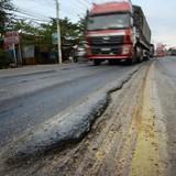 Quốc lộ 1 đoạn Phan Thiết - Đồng Nai: Tốc độ hư hỏng nhanh, khắc phục lại rất chậm!