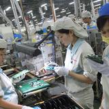Doanh nghiệp 24h: Sợ phá sản vì tăng lương tối thiểu
