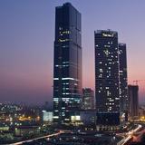 [BizDEAL] Chi 350 triệu USD để thâu tóm toà nhà cao nhất Việt Nam