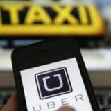 """Hiệp hội taxi Hà Nội kiến nghị """"dừng khẩn cấp Uber, Grab"""""""