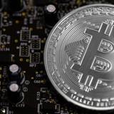 """Xuất thân từ thế giới ngầm, nhưng bitcoin đang ngang nhiên """"diễn"""" ở sân khấu chính?"""