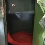Gần nửa tỷ đồng trong két sắt UBND xã bị trộm khoắng