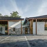 """""""Ngôi nhà hoang"""" được cải tạo thành nhà hiện đại đẹp mê mẩn"""