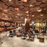 """Mở cửa hiệu lớn nhất thế giới tại Thượng Hải, Starbucks """"đặt cược"""" vào Trung Quốc"""