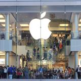 """Apple mất dần thị phần bán iPad """"vào tay"""" Microsoft"""