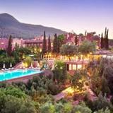 """7 khách sạn """"trên núi"""" đẹp nhất thế giới"""