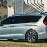 Google sắp ra đời 100 xe minivan tự lái