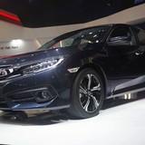 """Lọt top """"xe ế"""", Honda mới chịu """"tung"""" Civic phiên bản mới"""
