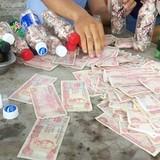 Tài xế nhét tiền lẻ vào chai nhựa trả phí: Bộ Giao thông vận tải vào cuộc