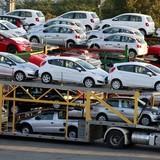 Xuất khẩu điện thoại, linh kiện sang ASEAN, Việt Nam lại nhập về xăng dầu, ô tô