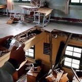 Sập sàn lớp học ở Đà Lạt, 10 em rơi từ tầng một
