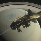 """Tàu vũ trụ 3 tỷ USD của NASA sắp """"tự sát"""" trên Sao Thổ"""
