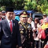 Tổng thống Indonesia cuốc bộ hai km vì tắc đường