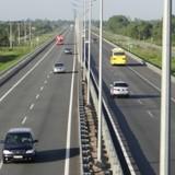 Địa ốc 24h: Cao tốc Bắc-Nam, làm đường 4-6 làn xe rồi lại lo quá tải?