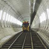 Theo chân robot nặng 300 tấn dưới đường hầm metro đầu tiên ở Sài Gòn