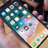 """Dính nhiều lỗi, giá iPhone X """"đảo chiều"""" chóng mặt"""