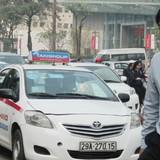 Hãng taxi đầu tiên công bố tăng giá cước thêm 500 đồng/km