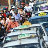 Thị trường 24h: Giá xe ô tô cao khiến cước taxi Việt đắt đỏ?