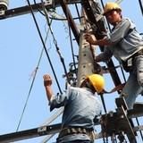 """Thị trường 24h: EVN """"hứa"""" không tăng giá điện trong năm nay"""